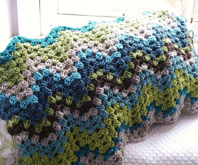 Birdlebee\'s Granny Ripple pattern. ♥ | trapillo | Pinterest | Manta ...