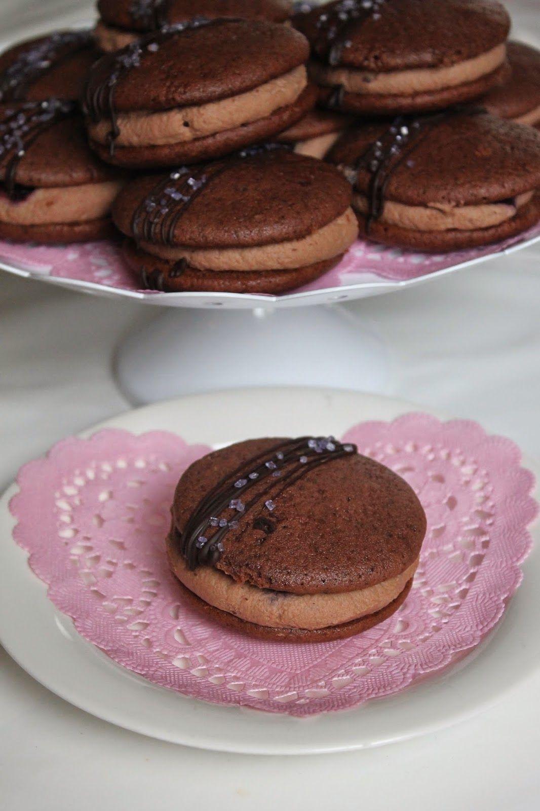 Mustikka-suklaawhoopies