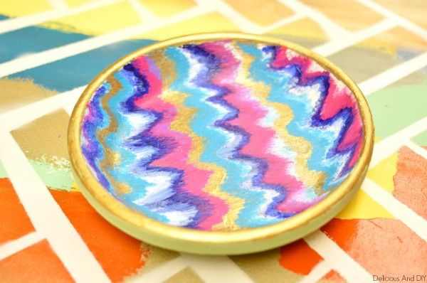 Ikat Chevron Bowl Makeover Follow the tutorial and learn to create this vibrant Ikat pattern on a terra cotta bowl or tray for your dresser or other use.