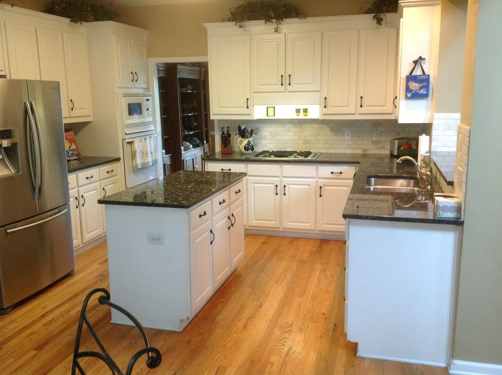 Blue pearl granite countertops bring luxury and beauty to for Small kitchen granite countertops