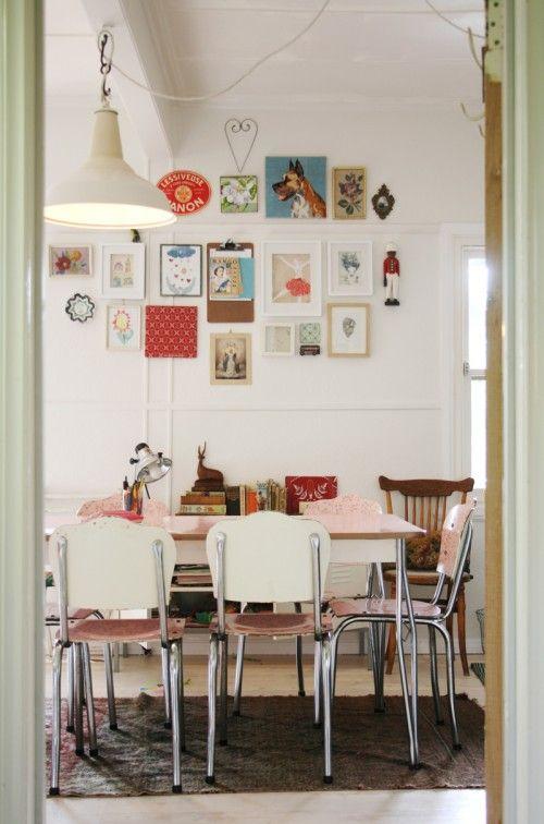 This Room Makes Me Smile Creative Framing Vintage Mod Decor Eclectic Dining Room Home Vintage Modern Kitchen