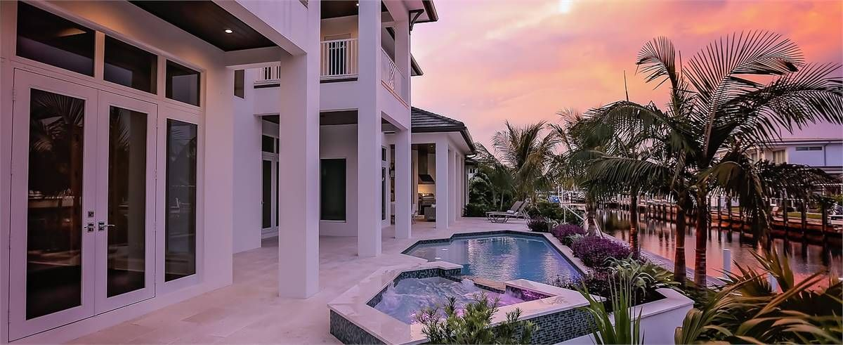 Luxury House Plan 7534 See More Details At Https Www Dfdhouseplans Com Plan 7534 Housedesign Bluepr Florida House Plans House Plans Beach House Plan