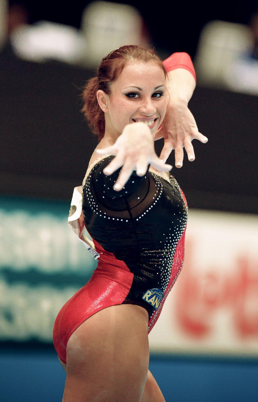 Vanessa Ferrari. her smile | Non American Gymnastics ...