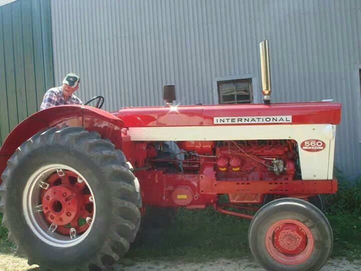International 560 Wheatland