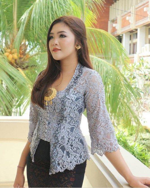 Photo of Kebaya Brokat Model Bali Modern Grey