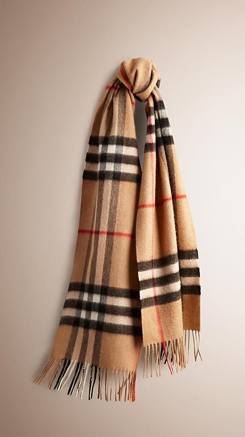 Burberry Classic Cashmere Scarf as seen on Alexa Chung