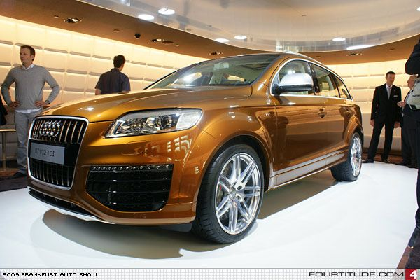 audi q7 v12 tdi with custom ipanema brown paint by audi exclusive photo by. Black Bedroom Furniture Sets. Home Design Ideas