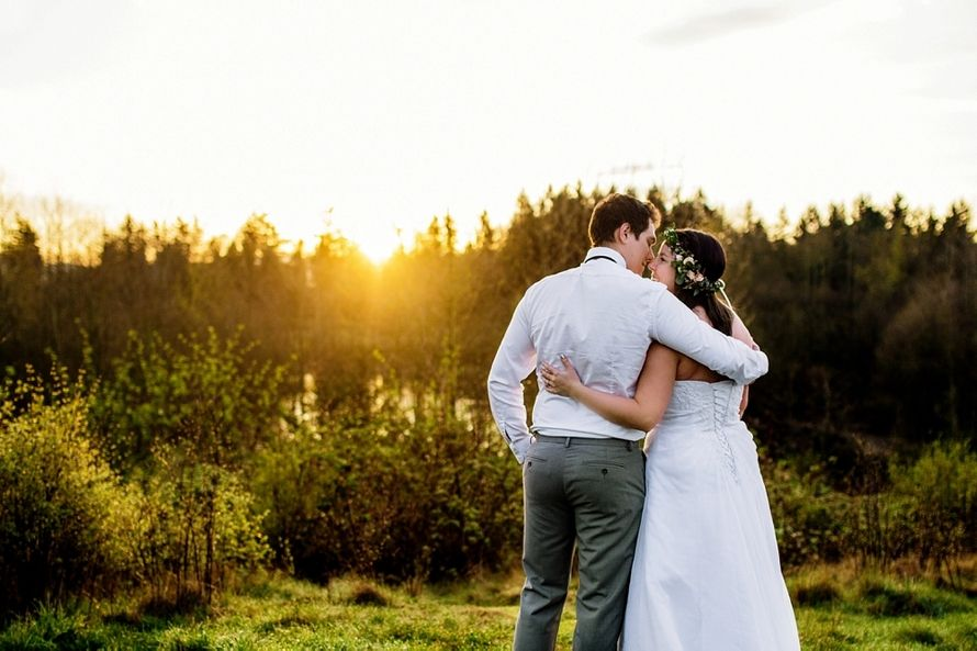 Aldergrove Lake Park bridal shoot.