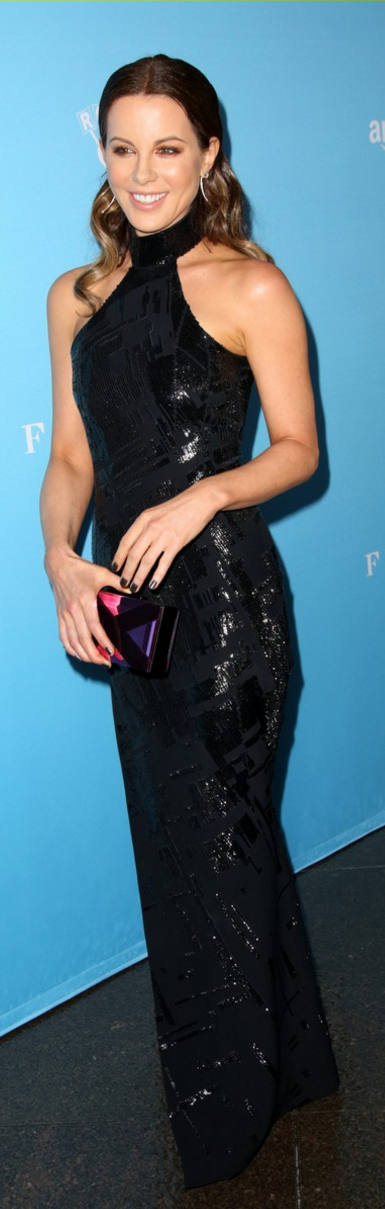 Who made Kate Beckinsale's jewelry black sequin gown, shoes, and clutch handbag?