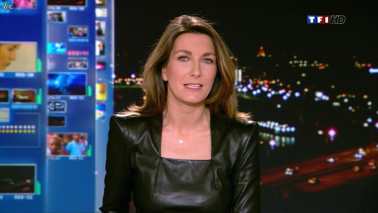 Anne Claire Coudray dans le 20h. Diffusé à la télévision le 30/12/12. | Anne claire coudray