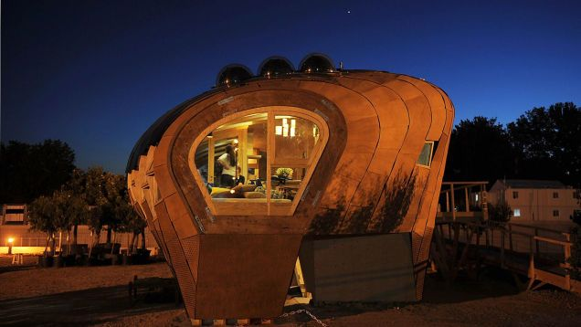 Now that is different! 21 Amazing Off-the-Grid Houses