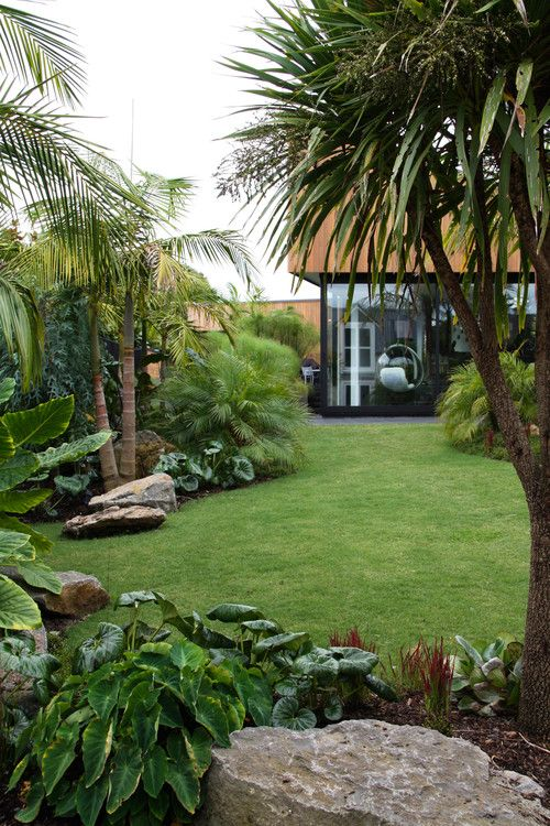 Tropical garden mt eden new zealand designer xanthe for Landscaping ideas nz