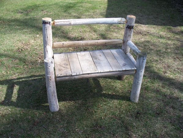 Bench Made From Old Fence Posts Garden Ideas Using Pallets Old