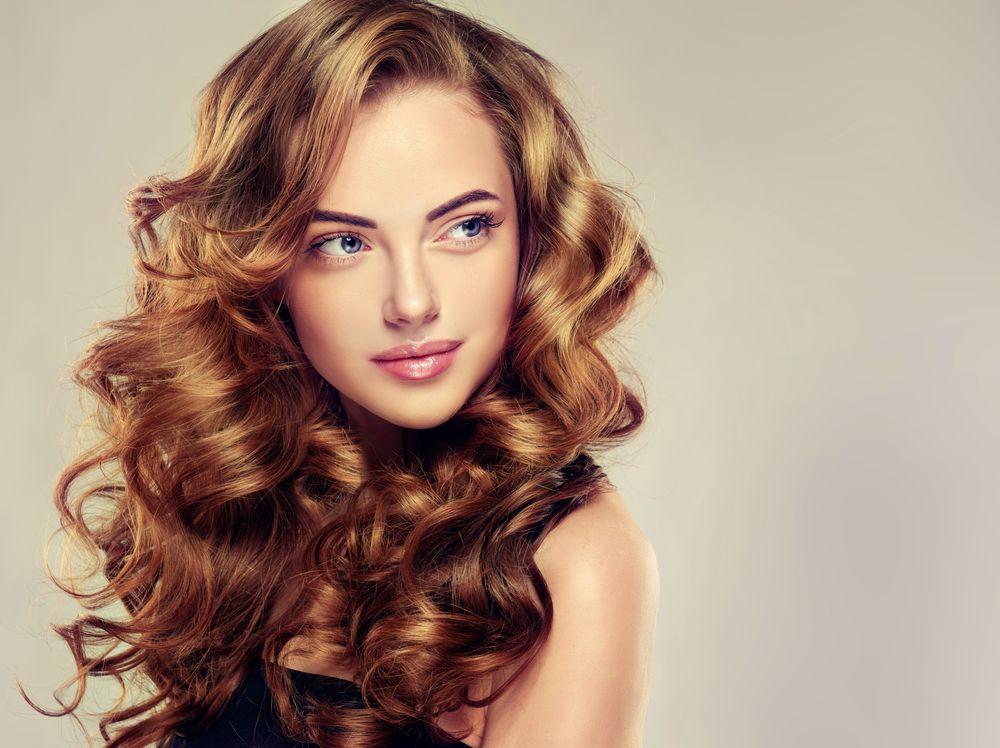 Alimenti in grado di rinforzare i capelli: la dieta giusta per mantenerli in salute