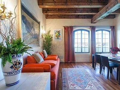 VRBO.com #1987413ha - Cozy Flat for 4 Overlooking the Canal in the Quiet and Characteristic Giudecca