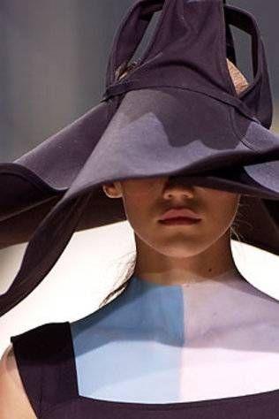 Autumn/Winter '04 Haute Couture