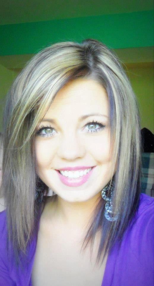I want my hair cut like hers!!! :)