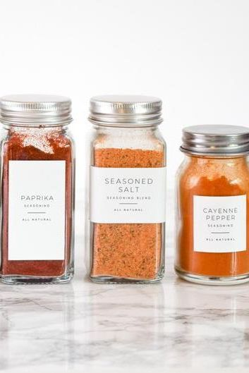 Finally stop digging through your spice rack and get organized with these minimalist pantry labels.