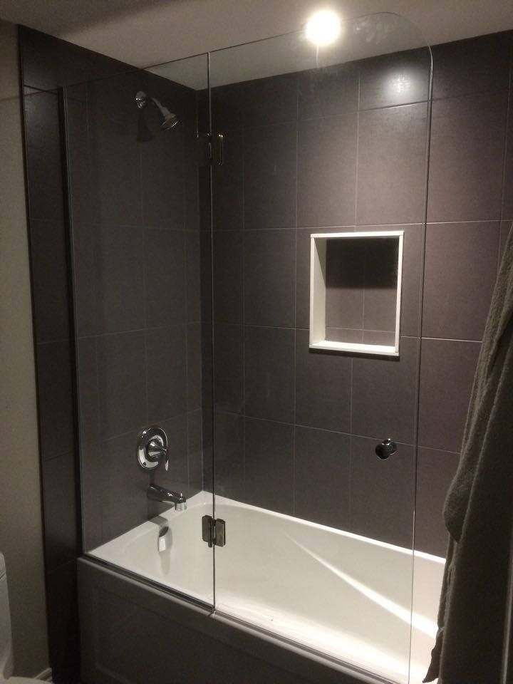 10mm Clear Tempered Glass Bathtub Enclosure Left Open 24