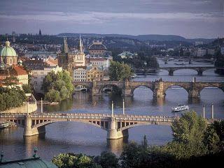 Pinceladas Actuales: Praga, Capital de Bohemia