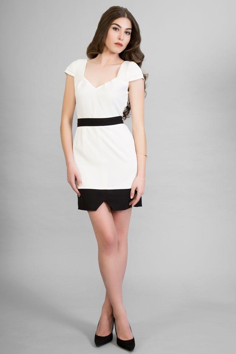 Vestido corto en blanco y negro (disponible en otros colores), de ...