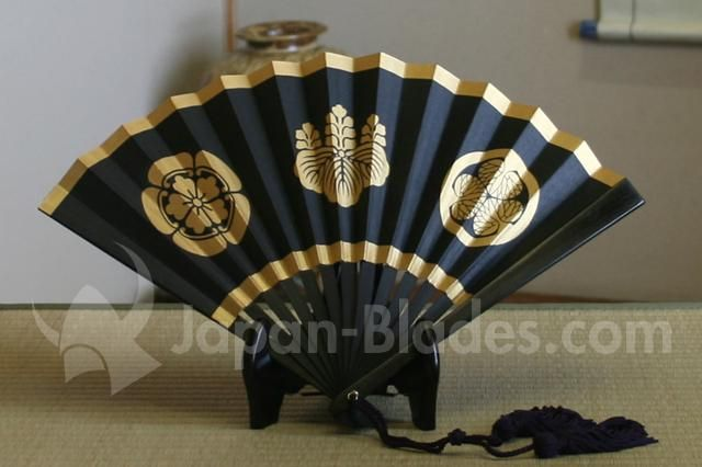 AC40 Tessen 404040inch Three Major Crest Model Display Stand Awesome Japanese Fan Display Stand
