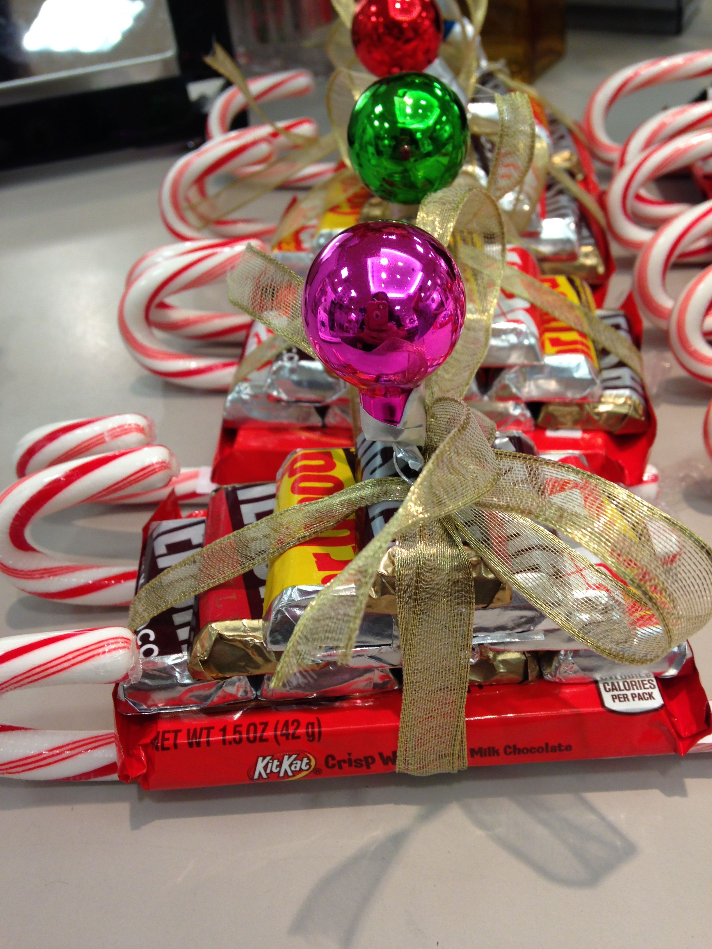 Adorable Kit Kat Candy Sleigh. This would be a perfect stocking ...