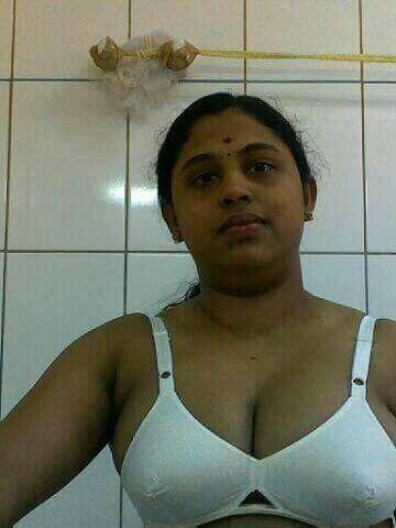 naked tiny indian girl