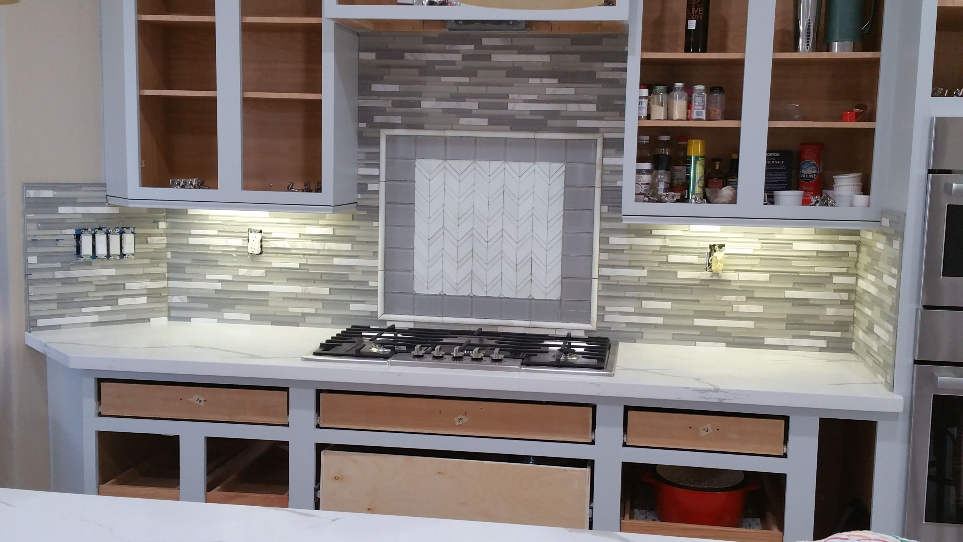 This remodelmonday features our Soh & Islandia glass tiles on the backsplash and the lovely