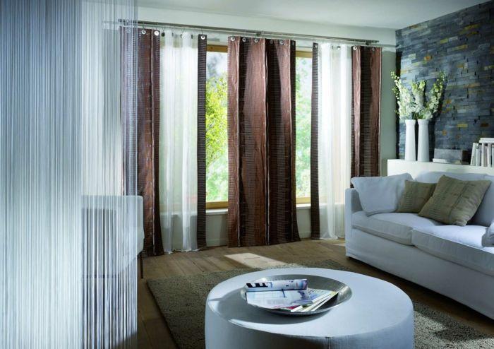 Cool Gardinen Wohnzimmer Braun Weißes Sofa Runder Couchtisch Teppich  #CurtainsScandinavian #CurtainsIdeasIndian
