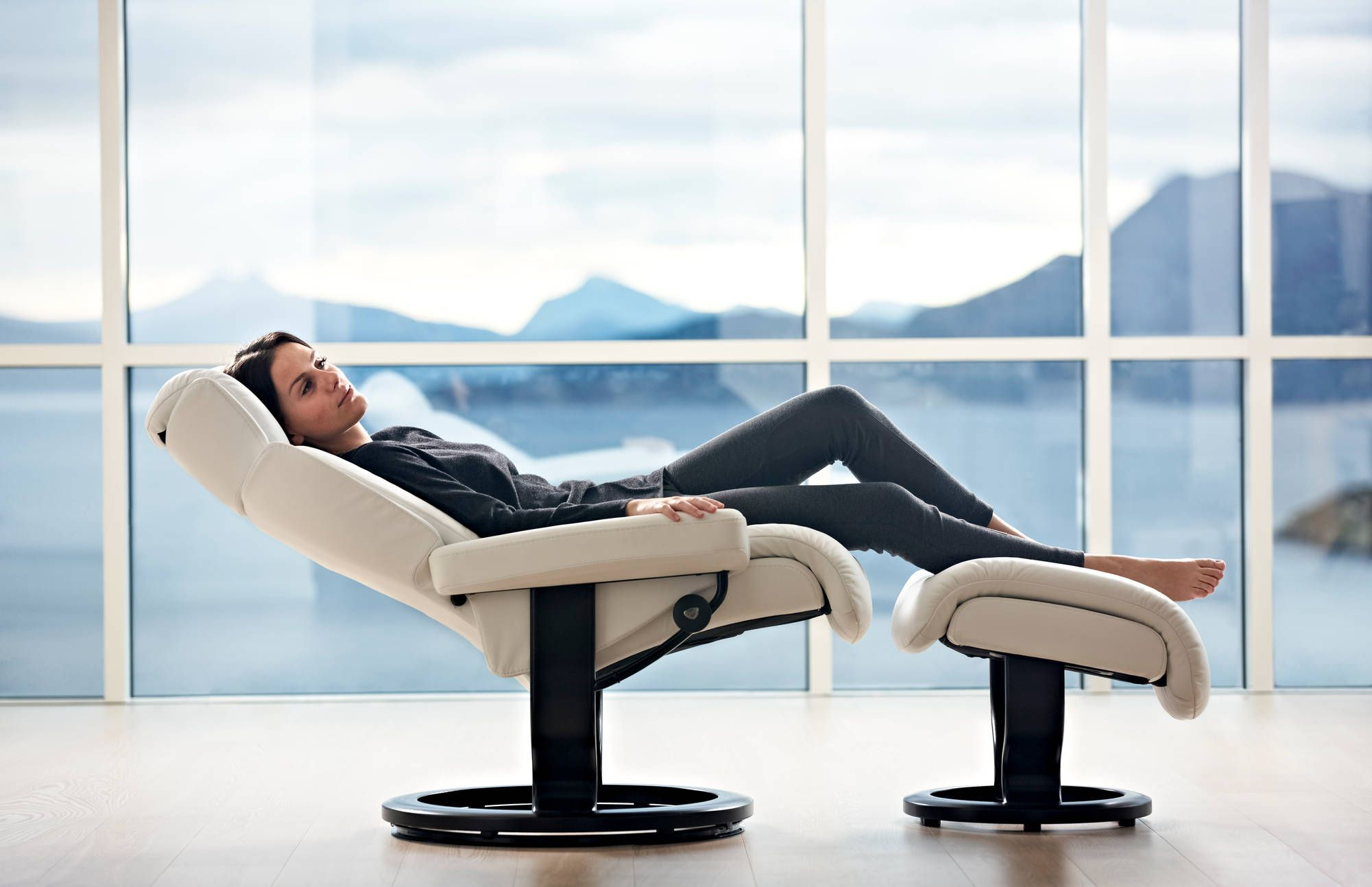 When You Imagine Comfort What Do You Envision Stressless Recliner Stressless Furniture Furniture