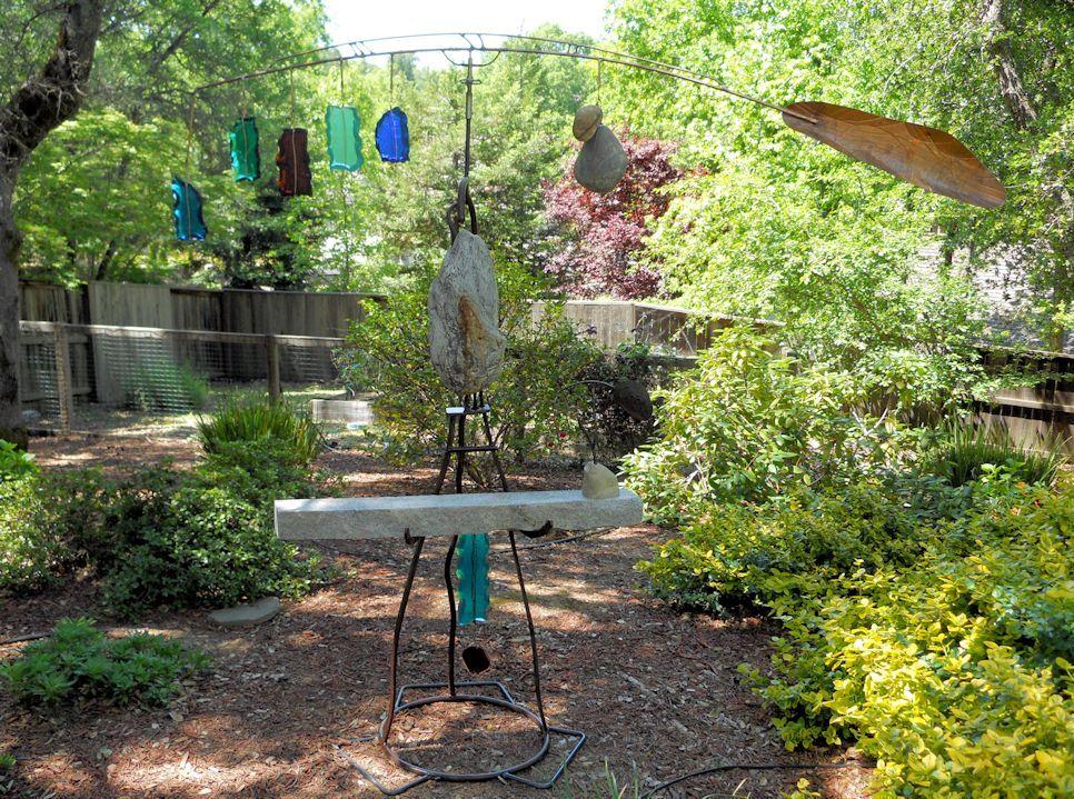 Kinetic Garden Sculpture | Kinetic Wind GARDEN WATCH 2011 H 88in Dia