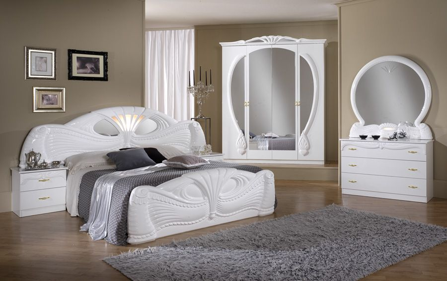 Pamela 4d White Italian Bedroom Set Cash And Carry Beds In 2020 White Bedroom Set Furniture Classic Bedroom Furniture Italian Bedroom Sets