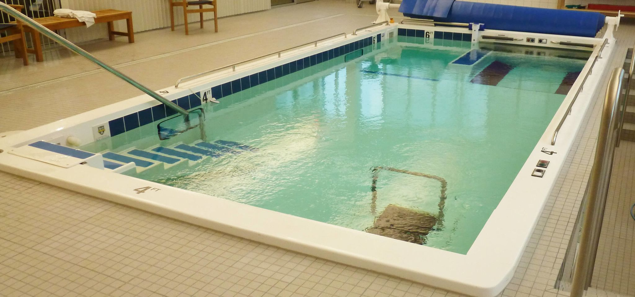 1000 Series Therapy Pool For Rehabilitation Recovery And Exercise