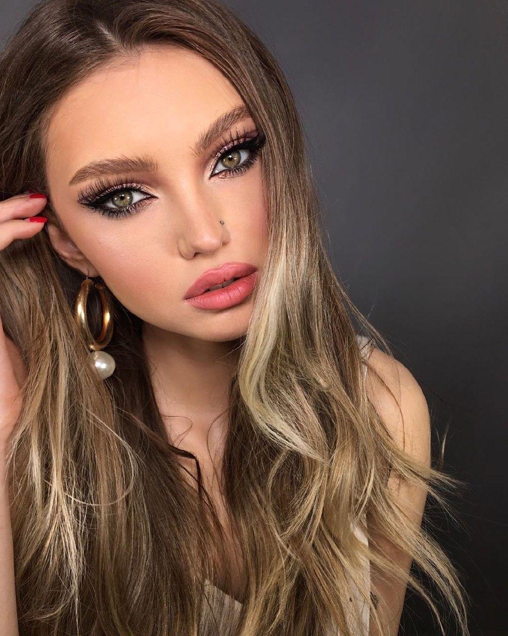 Lovely makeup for girls in 2020 Makeup eye looks, Prom