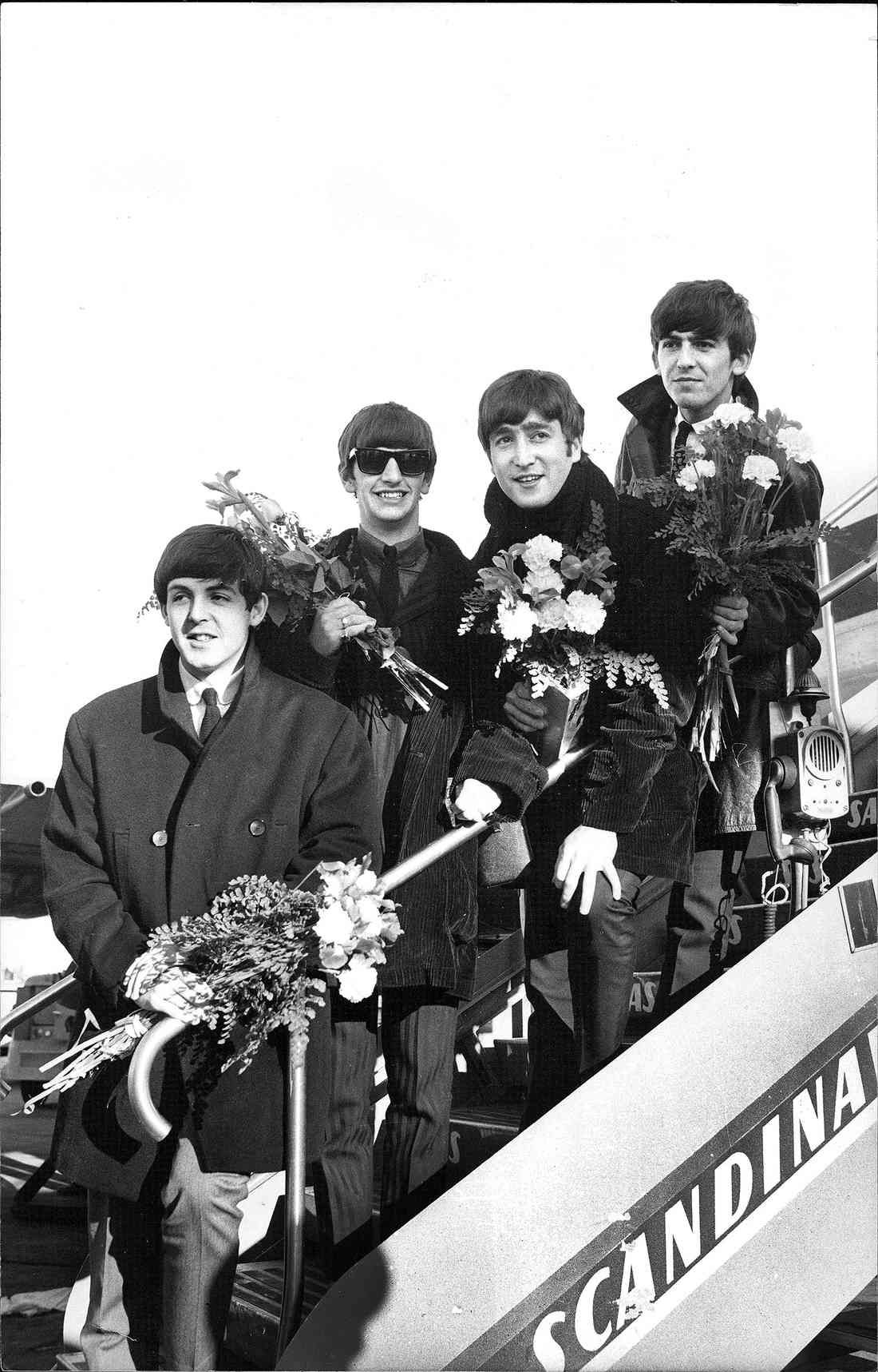 The Beatles arrive at Stockholm Arlanda Airport on October 23, 1963. | The  beatles, Beatles pictures, The fab four