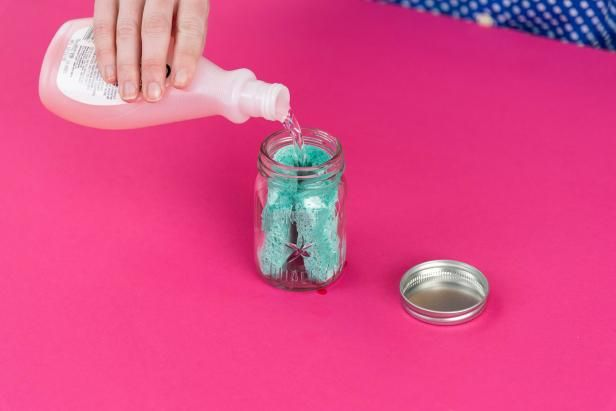 Soak Up Some Great Ways Sponges Can Be Used For More Than Just Washing Dishes Cleaning Nail Polish Remover Jar Diy Nail Polish Remover