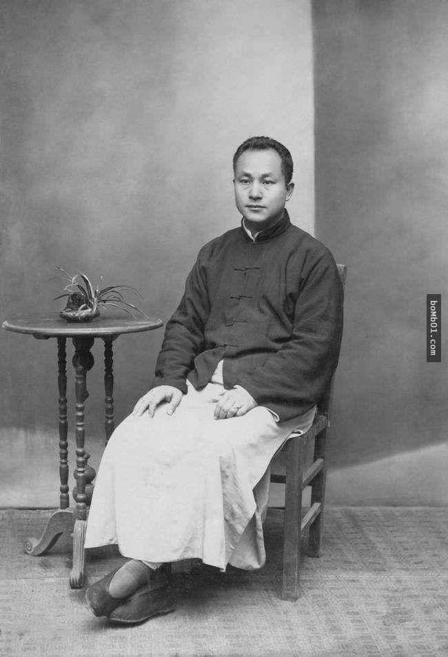 這名男子從1907年開始每年拍攝一張個人照,卻無意中記錄了教科書上看不到的整個中國的轉變… - boMb01