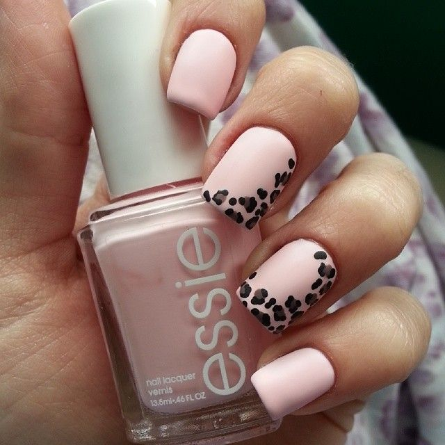 ♥♥ semicircle leopard-print nail design that's super chic...