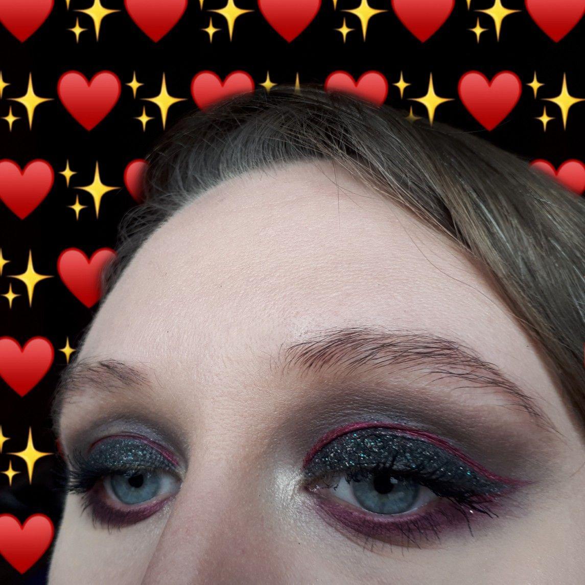 Easy eye makeup tutorial. A glam vamp look