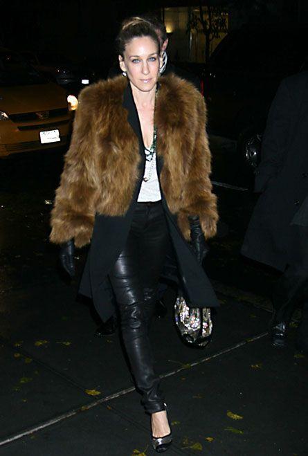 #SarahJessicaParker in classic fur.