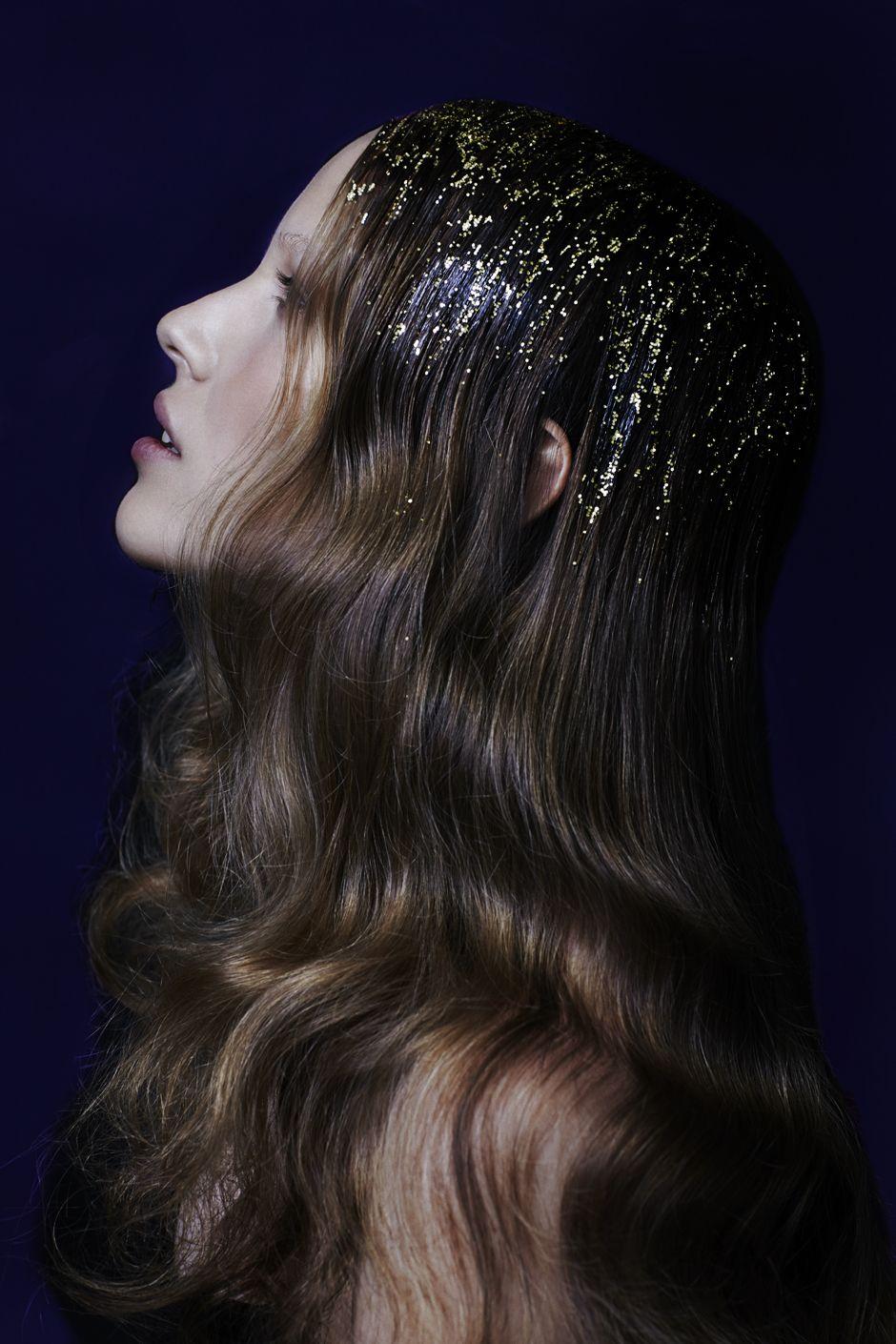 Glitteriset hiukset uuden vuoden juhliin