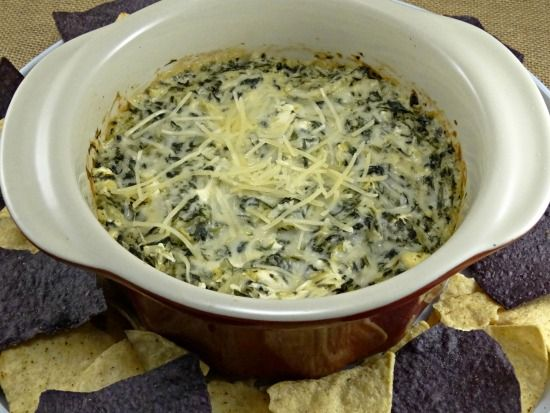 Ruby Tuesday's Spinach and Artichoke Dip - Copycat #crockpotspinachandartichokedip