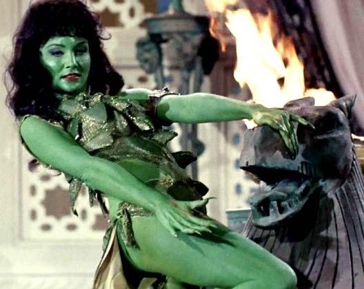 Susan Oliver played the green-skinned alien in the pilot episode of the series.