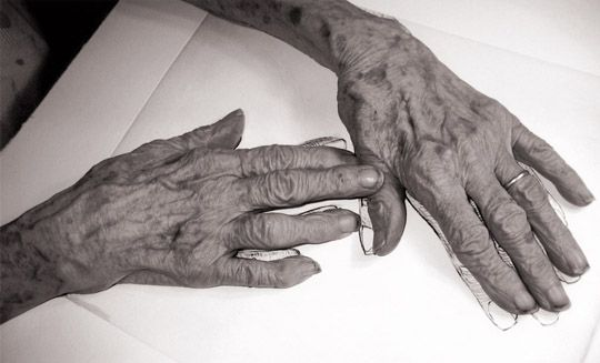 Louise Bourgeois hands