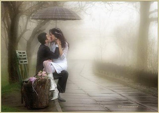 Kissing pictures in the rain