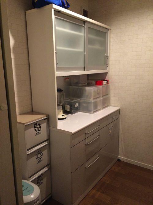 食器は家族も使うので 理解を得ながらゆっくり断捨離しています 食器棚 ニトリ ニトリ 食器 キッチンボード ニトリ