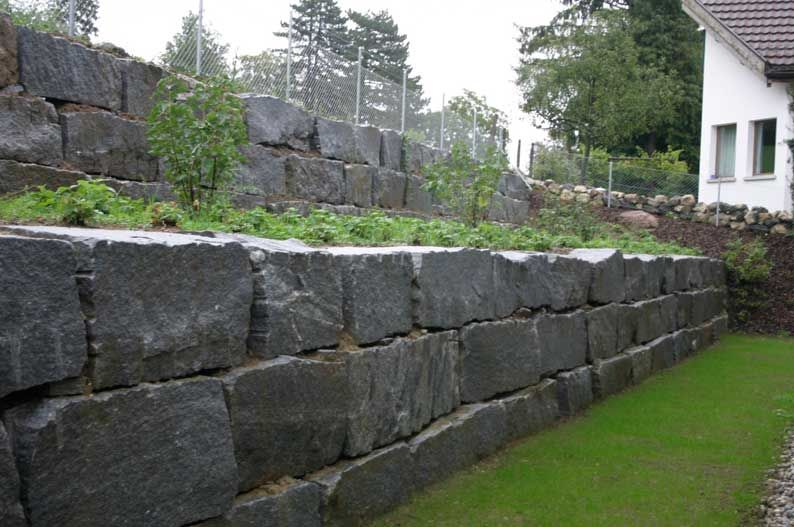 dry-stacked stone wall - large