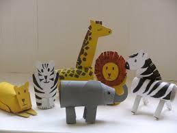 Resultado de imagem para animais feitos com sucatas para educação infantil