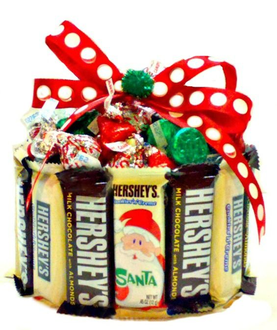Holiday candy bar cupcake is the perfect sized candy gift for the ...